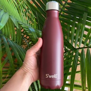 NWT S'well New 17oz bottle